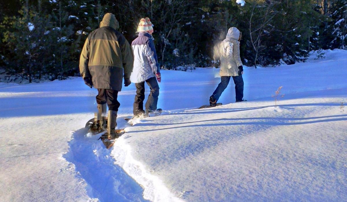 snowshoe, outdoors, activities, Haliburton, winter, snowshoeing